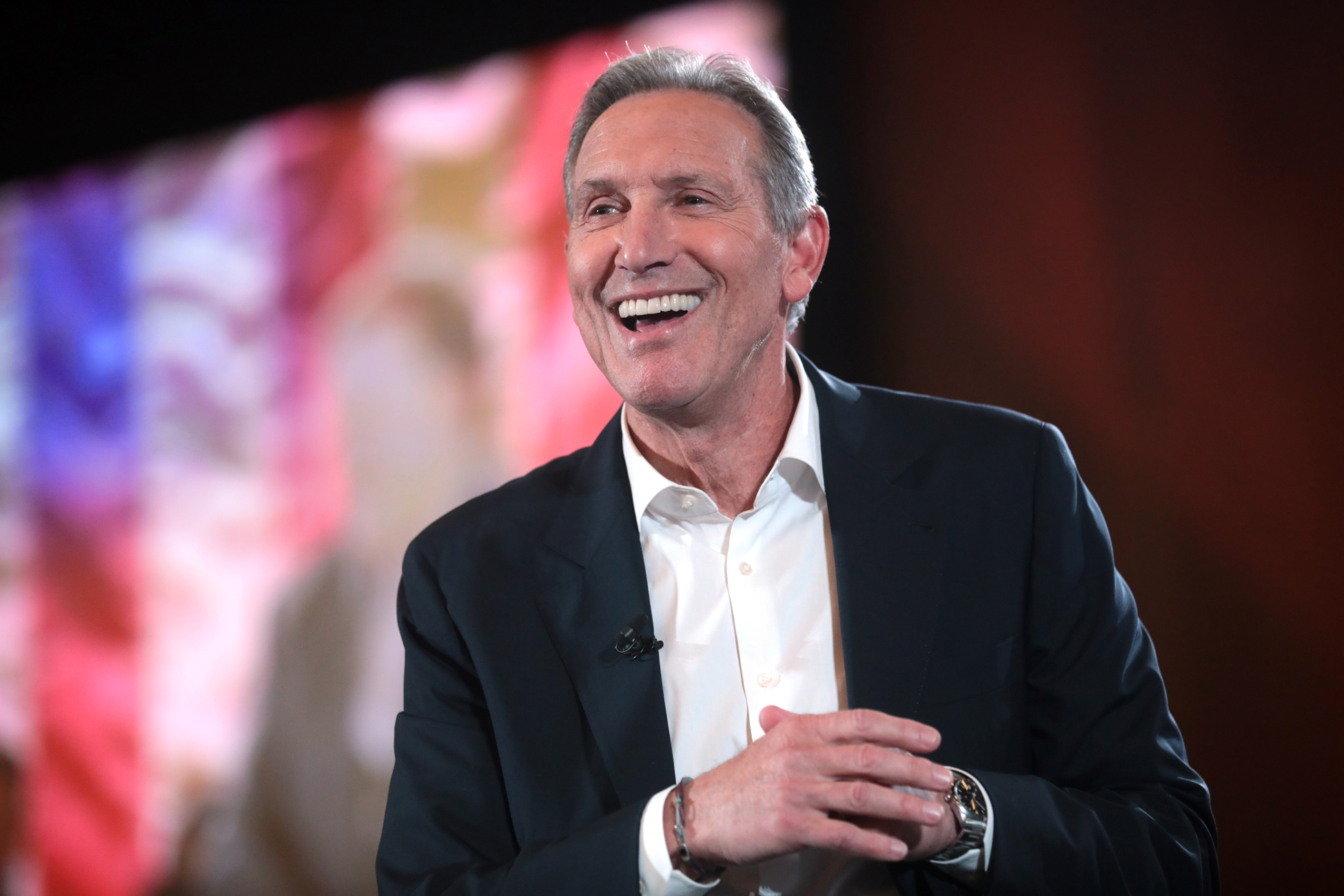 Howard Schultz believes in great employee benefits